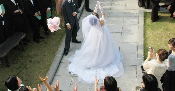結婚式のジンクス ブーケトス