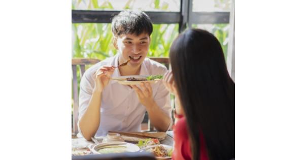 男女 食事